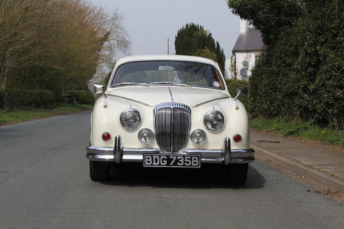 1964 Daimler 250 V8 Saloon, Show Standard, 800 Hour Restoration For Sale (picture 2 of 20)