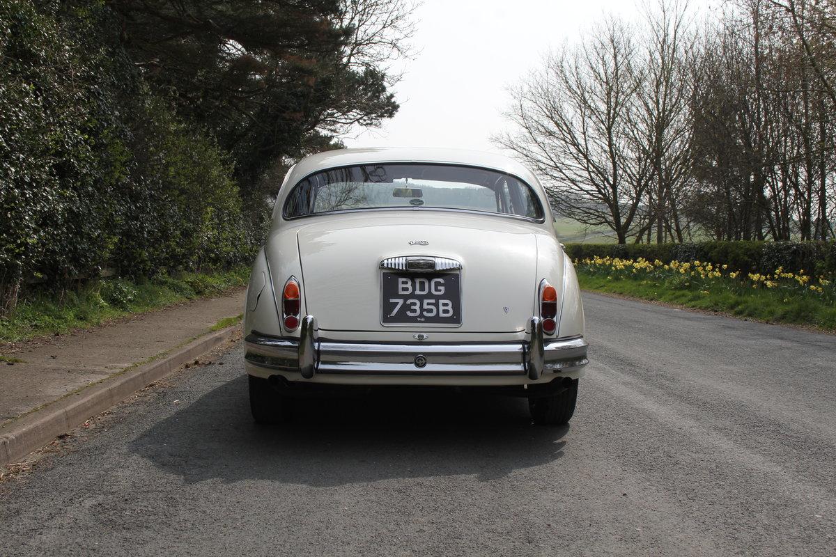 1964 Daimler 250 V8 Saloon, Show Standard, 800 Hour Restoration For Sale (picture 5 of 20)