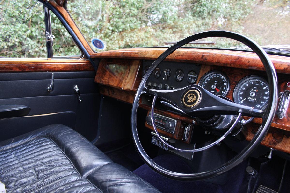 1964 Daimler 250 V8 Saloon, Show Standard, 800 Hour Restoration For Sale (picture 8 of 20)