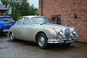 1966 Daimler V8 250 Saloon