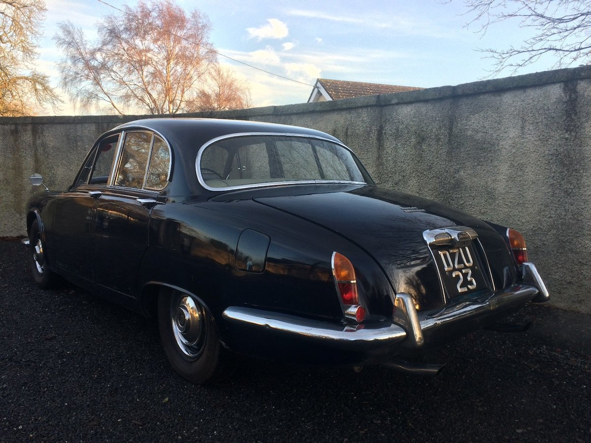 1969 Daimler Sovereign 4.2 MOD SOLD (picture 2 of 6)