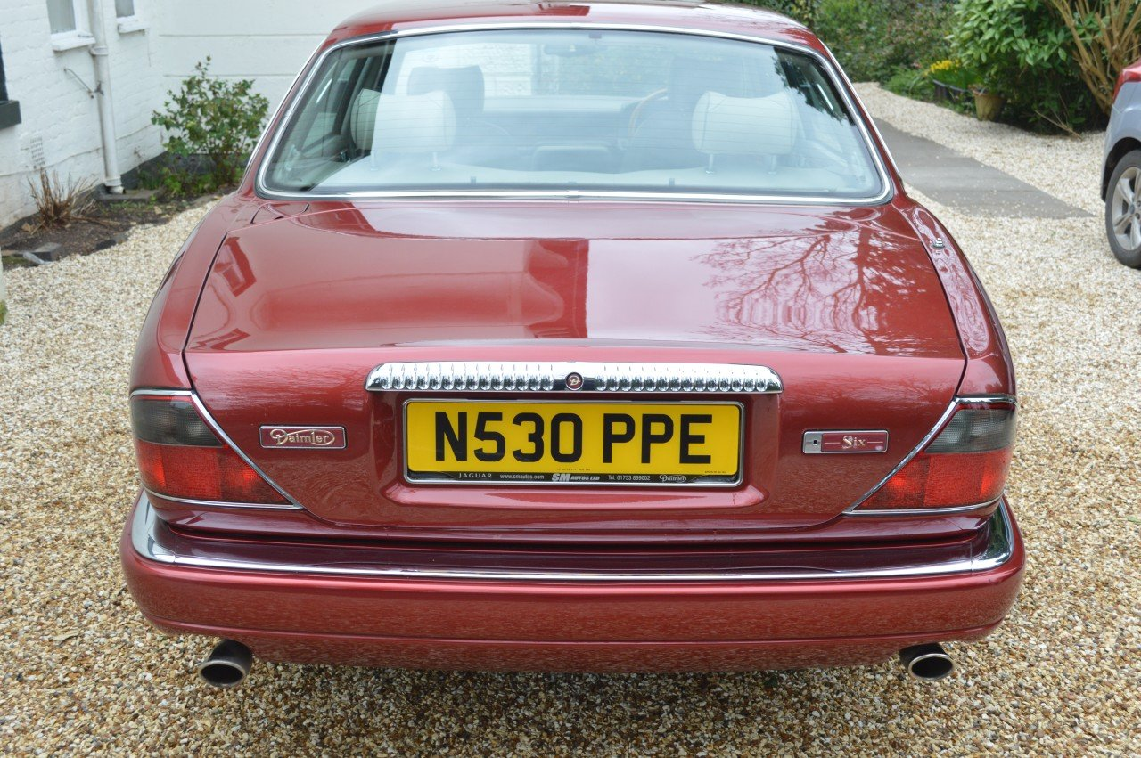 1995 Daimler 4 litre Auto LWB Flamingo Red For Sale (picture 3 of 6)