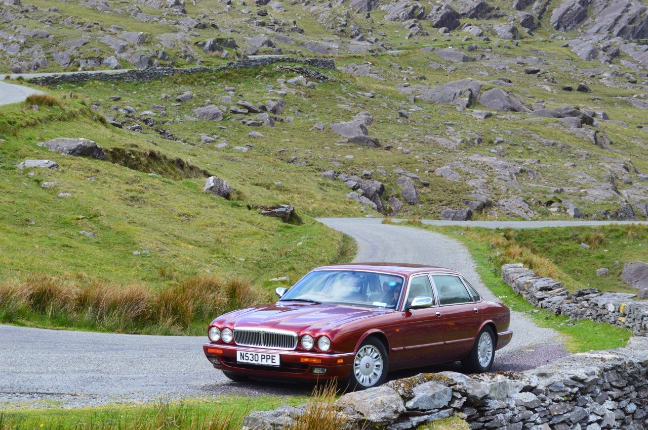 1995 Daimler 4 litre Auto LWB Flamingo Red For Sale (picture 6 of 6)