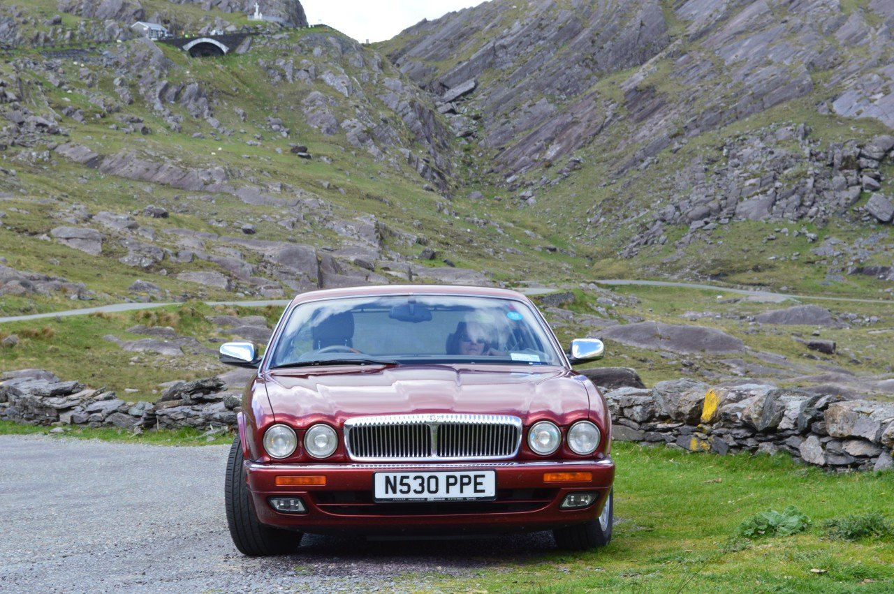 1995 Daimler 4 litre Auto LWB Flamingo Red For Sale (picture 1 of 6)