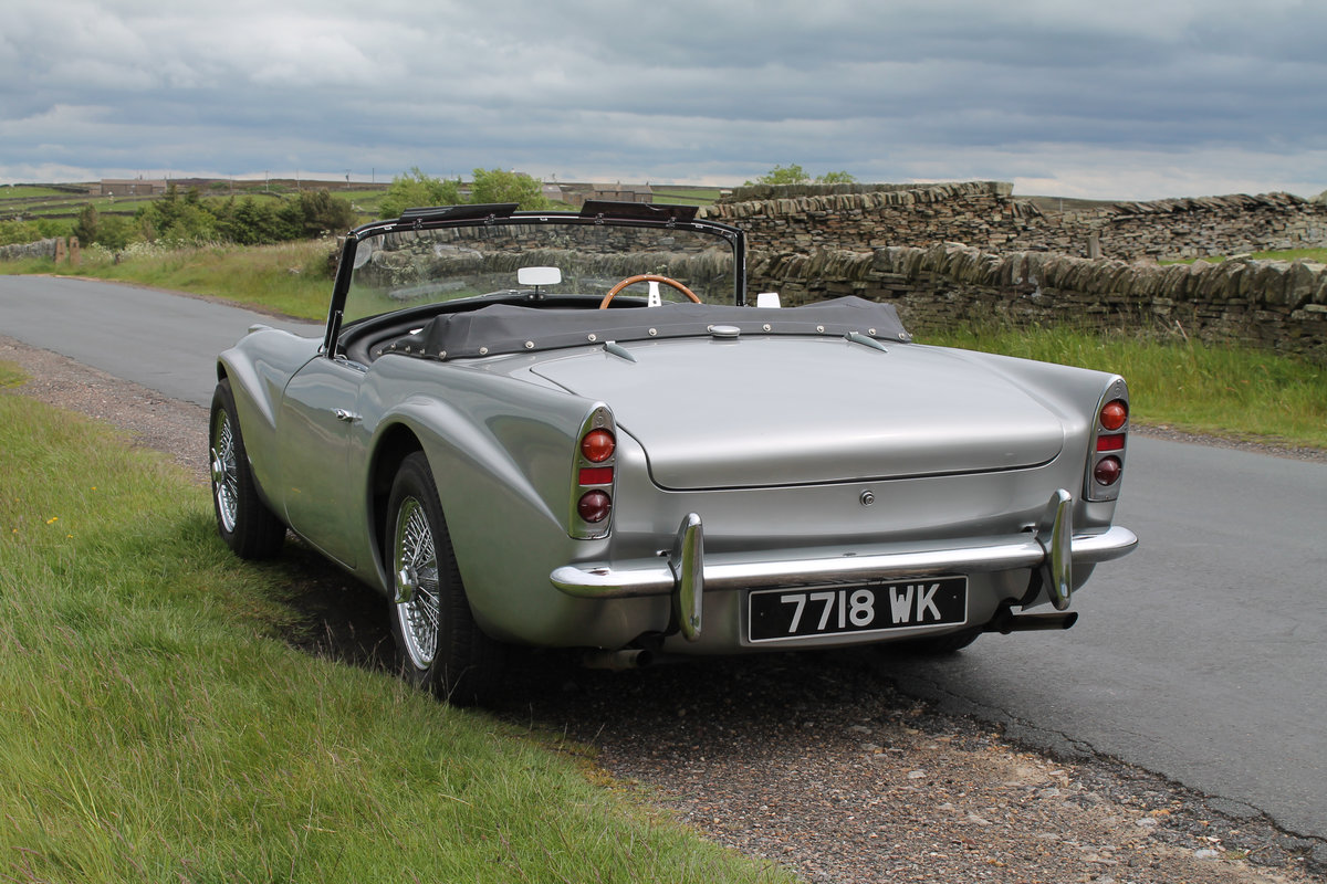 1964 Daimler SP250 Dart  SOLD (picture 3 of 6)