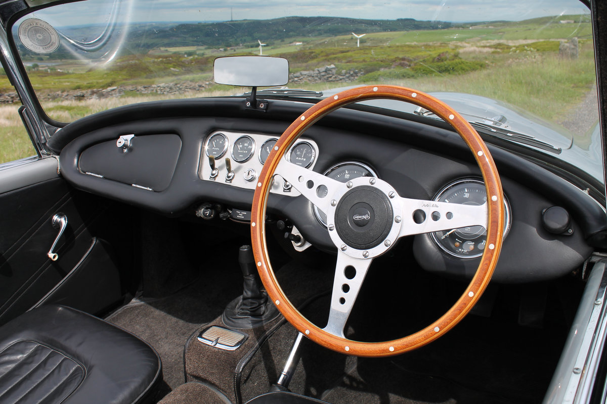 1964 Daimler SP250 Dart  SOLD (picture 5 of 6)