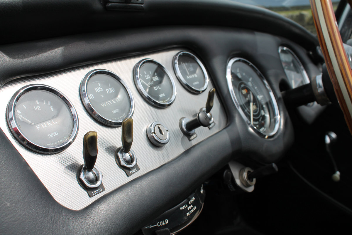 1964 Daimler SP250 Dart  SOLD (picture 6 of 6)