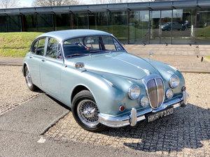 1966 Daimler V8-250