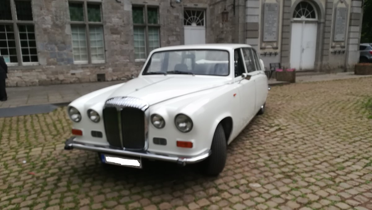 1985 Daimler DS 420 landaulette For Sale (picture 1 of 5)