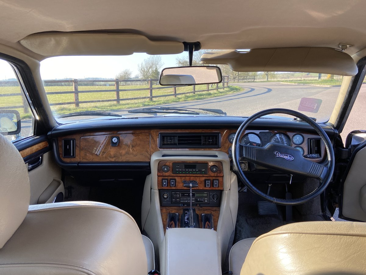 1993 Daimler Double Six V12 5.3 28,000 miles For Sale (picture 3 of 6)