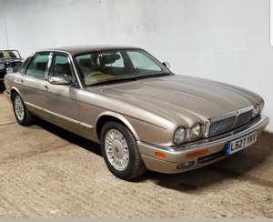 Daimler Double Six 6.0 V12 LWB  Very Rare X300