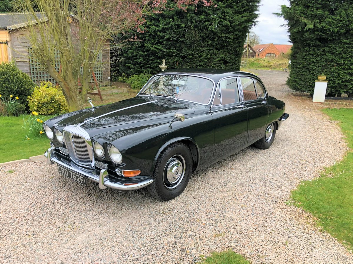1968 Daimler Sovereign 4.2 Saloon For Sale (picture 2 of 6)