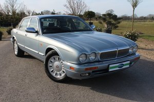 Rare Daimler Double Six (X300)
