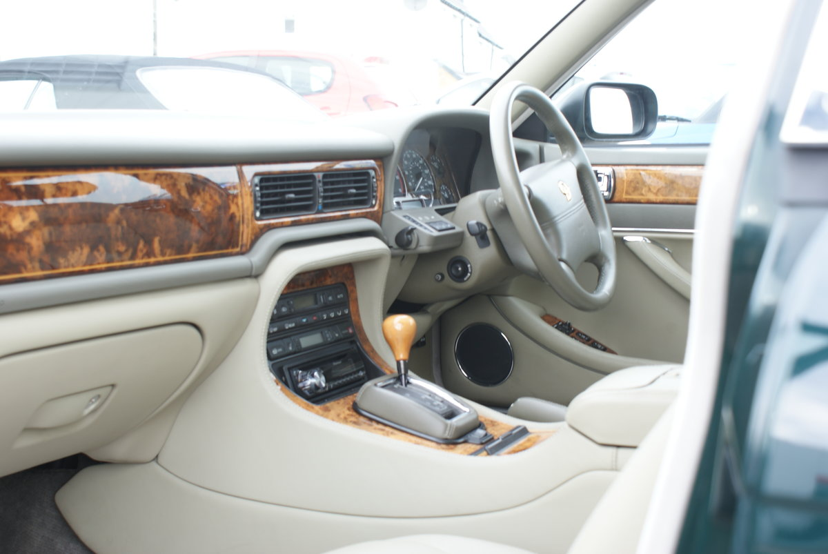 1997 Daimler doublesix For Sale (picture 4 of 6)