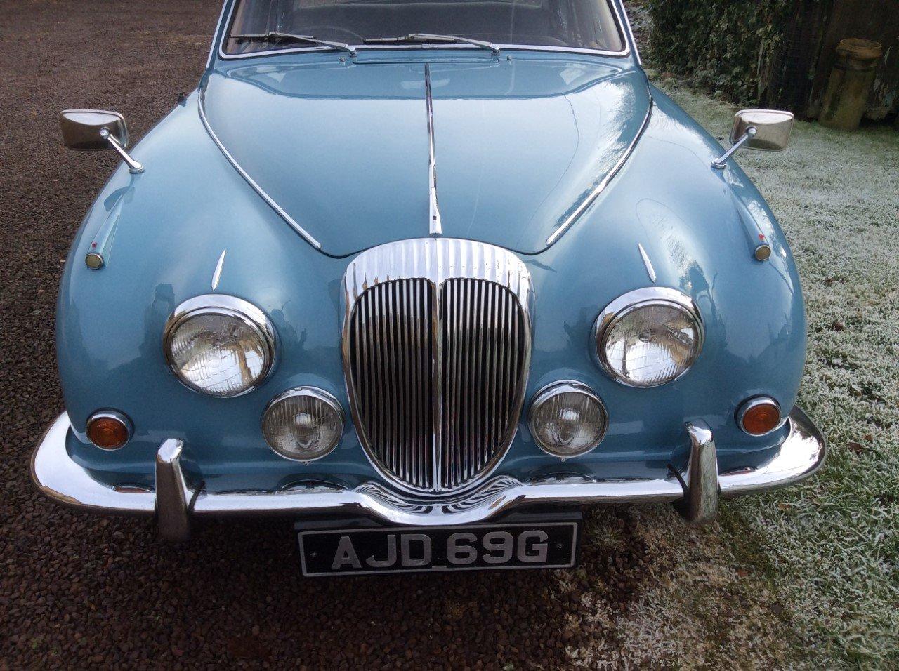 1969 Daimler V8 250  For Sale (picture 4 of 6)