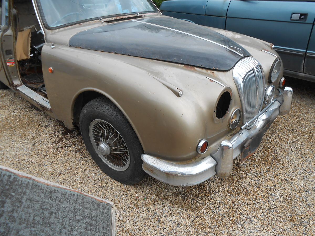 1964 DAIMLER V8 250  For Sale (picture 1 of 2)