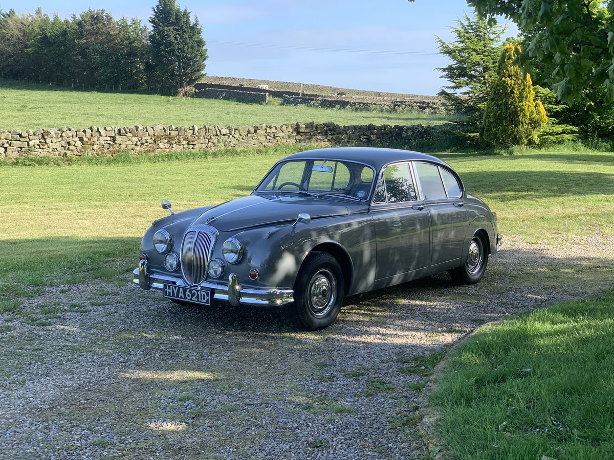 1965 Daimler V8 2.5 Litre Saloon AUTO SOLD (picture 1 of 6)
