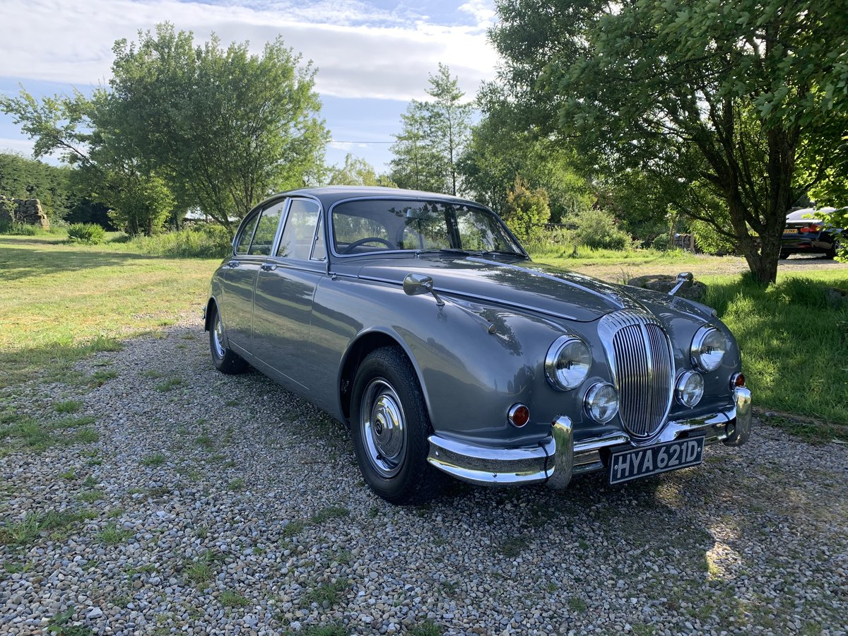 1965 Daimler V8 2.5 Litre Saloon AUTO SOLD (picture 2 of 6)