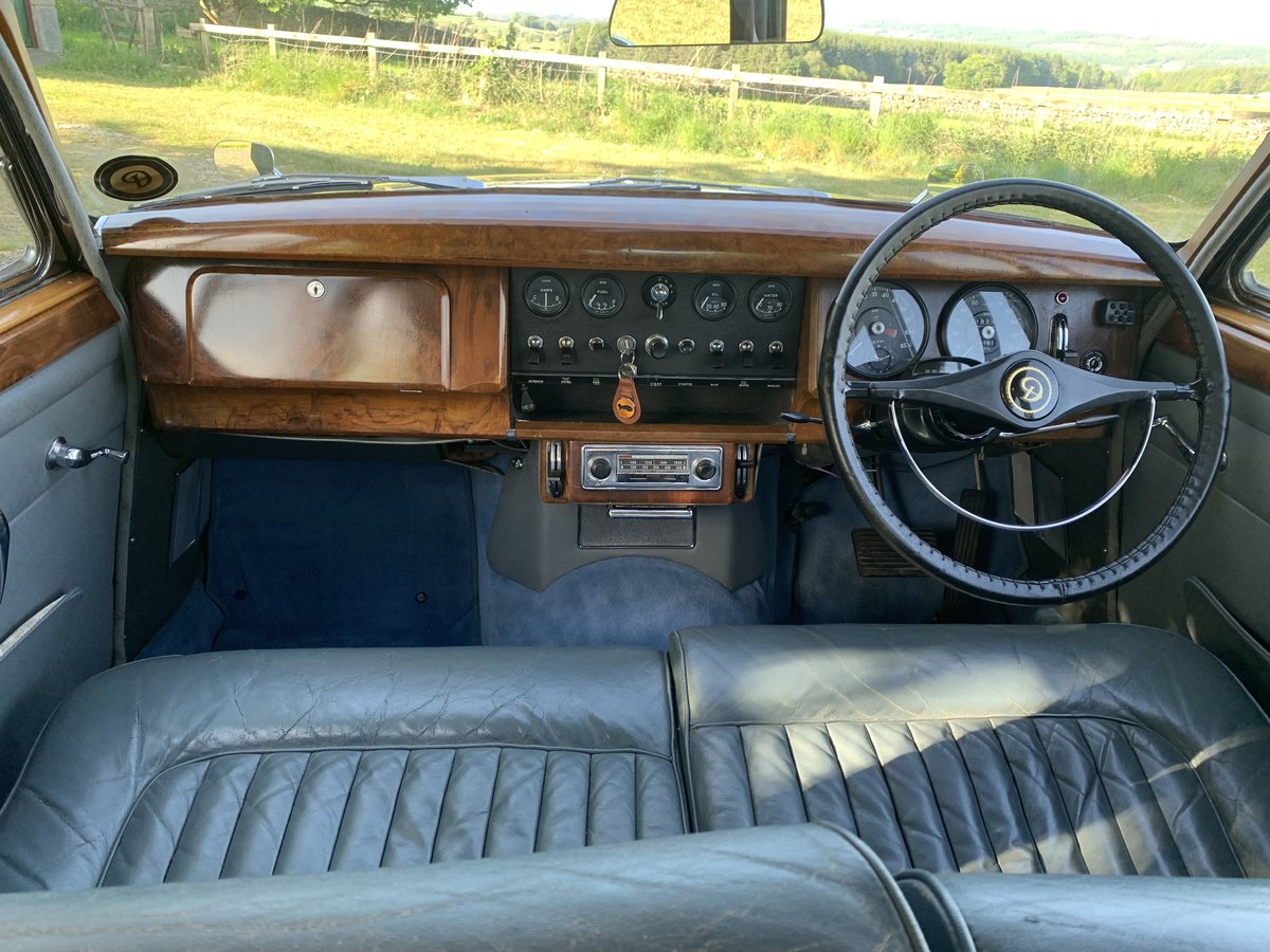 1965 Daimler V8 2.5 Litre Saloon AUTO SOLD (picture 3 of 6)