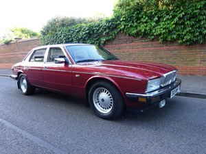 DAIMLER 4 Ltr XJ 40 Press Car