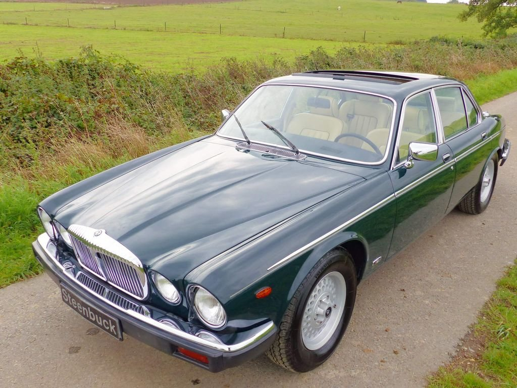 1992 Daimler Double Six Series III - last year of construction For Sale (picture 1 of 6)