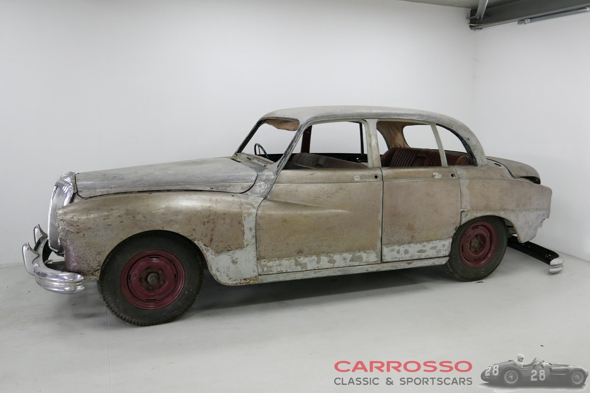 1958 Daimler Majestic 3.8 Saloon for Restoration For Sale (picture 2 of 6)
