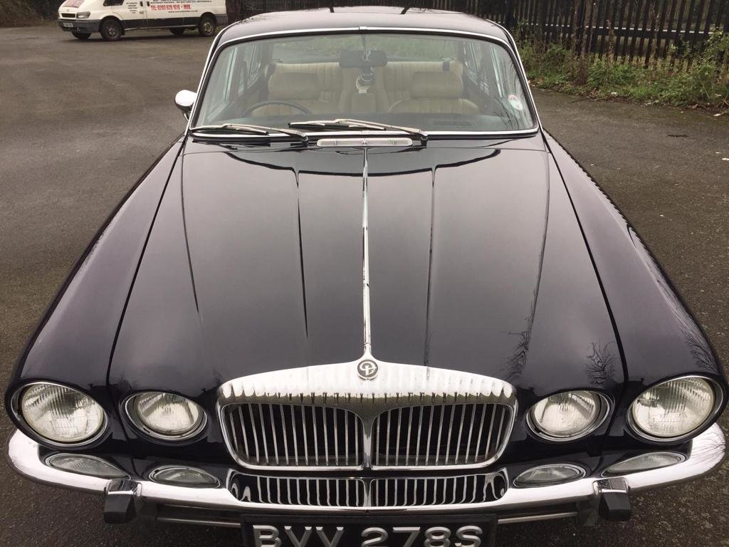 1977 Stunning Daimler Sovereign 4.2 For Sale (picture 2 of 6)