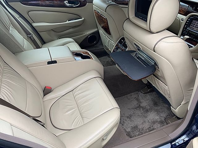 2005 Daimler  Super Eight (Only 65,000 Miles) For Sale (picture 4 of 6)