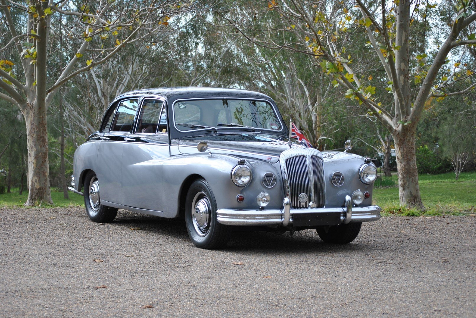 1966 DAIMLER MAJESTIC MAJOR (Ex-Romanian Embassy UK) For Sale by Auction (picture 1 of 6)