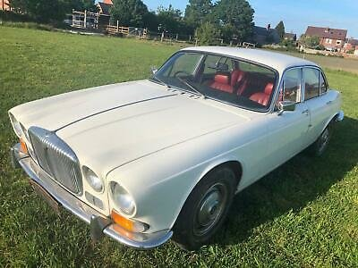 1972 Daimler XJ6 4.2 Auto Series One White,Red Leather £6995 For Sale (picture 2 of 6)