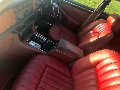 1972 Daimler XJ6 4.2 Auto Series One White,Red Leather £6995 For Sale (picture 4 of 6)