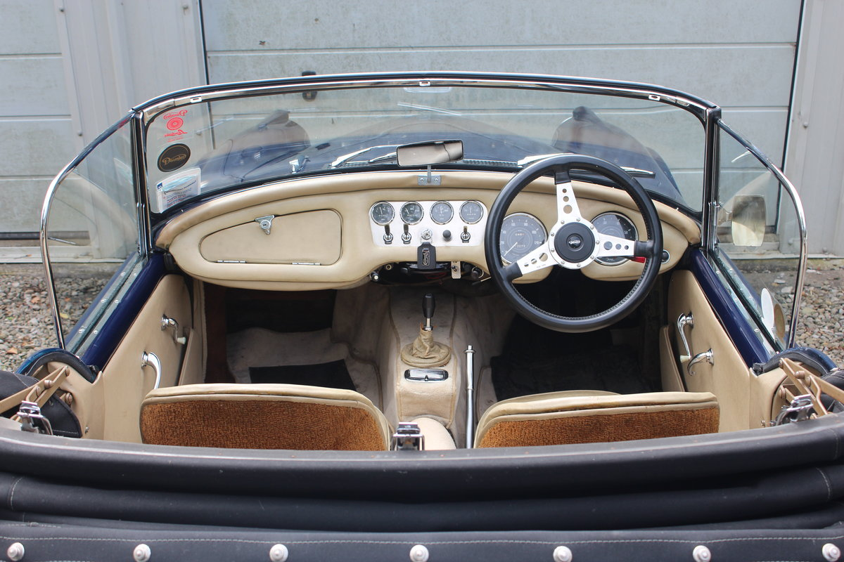 1963 Daimler Late model SP250  SOLD (picture 3 of 6)