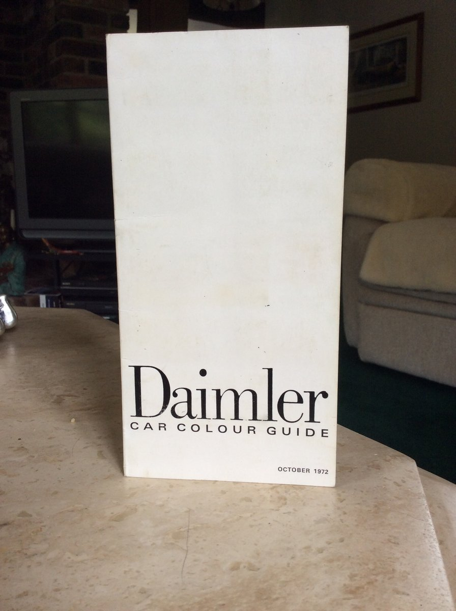 1972 Very rare daimler car colour guide For Sale (picture 2 of 5)