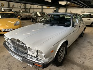 1992 DAIMLER DOUBLE SIX  For Sale
