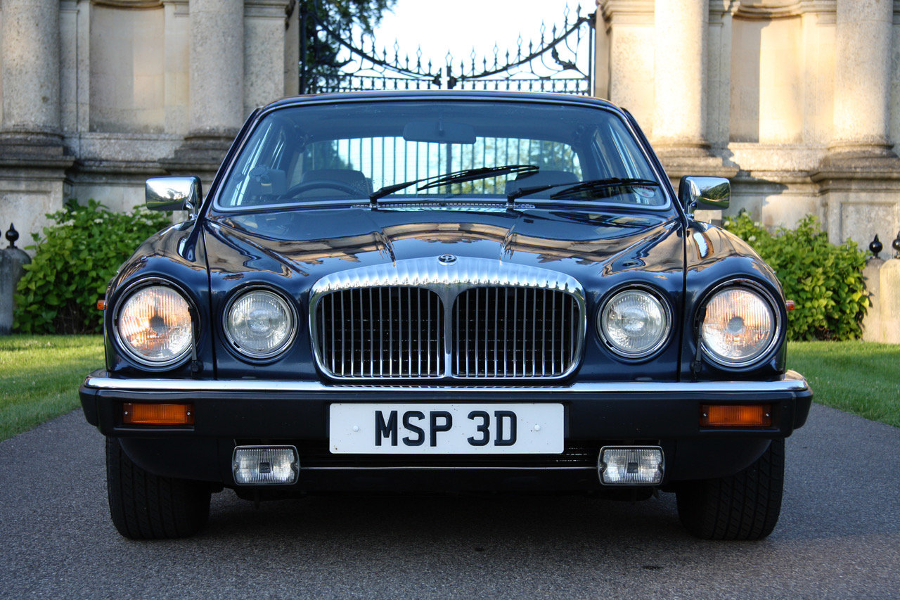 1990 Daimler Double Six Series III (Jaguar XJ V12) For Sale (picture 1 of 6)
