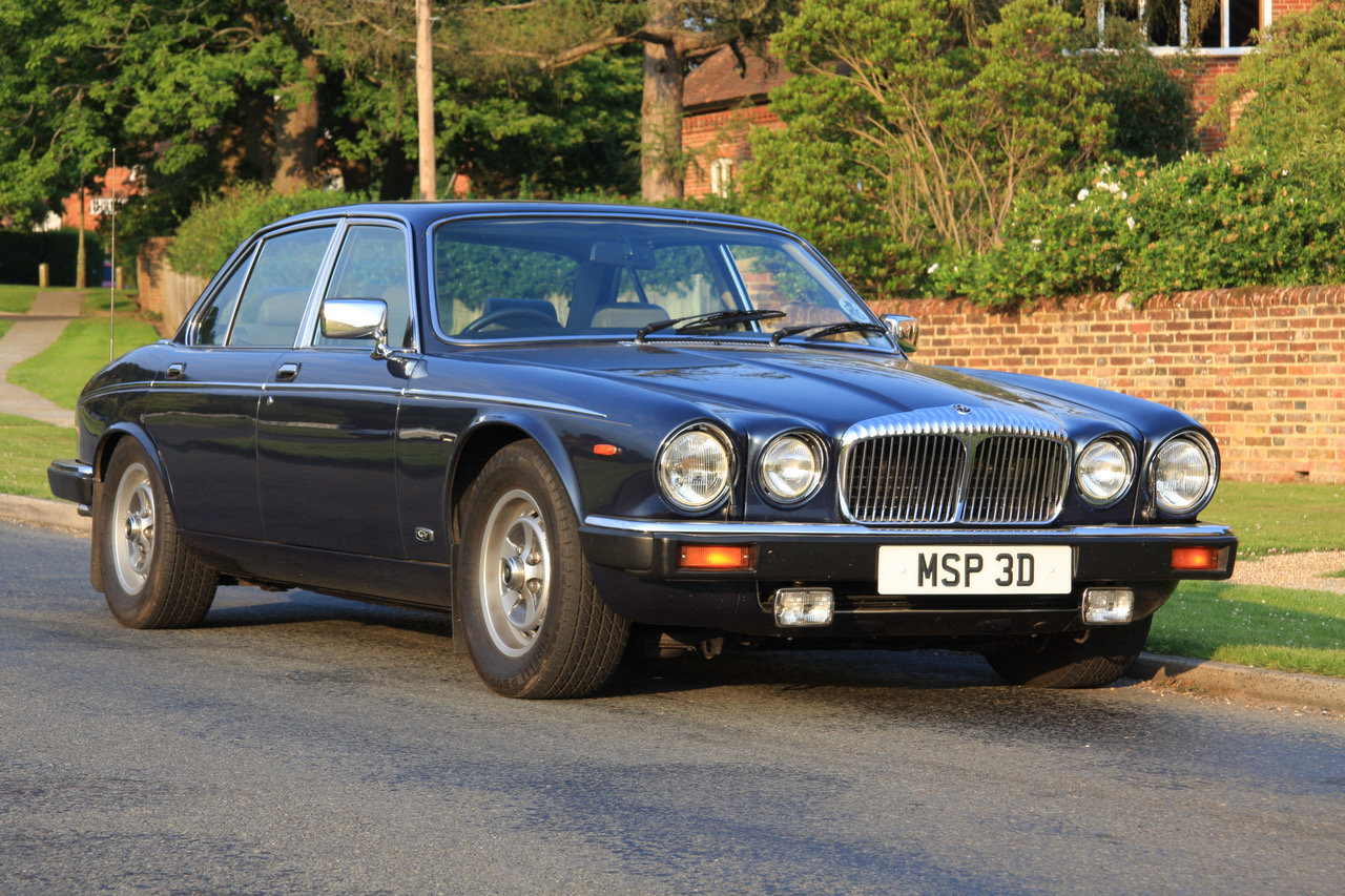 1990 Daimler Double Six Series III (Jaguar XJ V12) For Sale (picture 2 of 6)