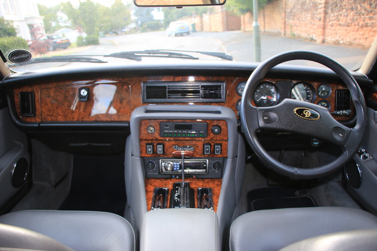 1990 Daimler Double Six Series III (Jaguar XJ V12) For Sale (picture 4 of 6)