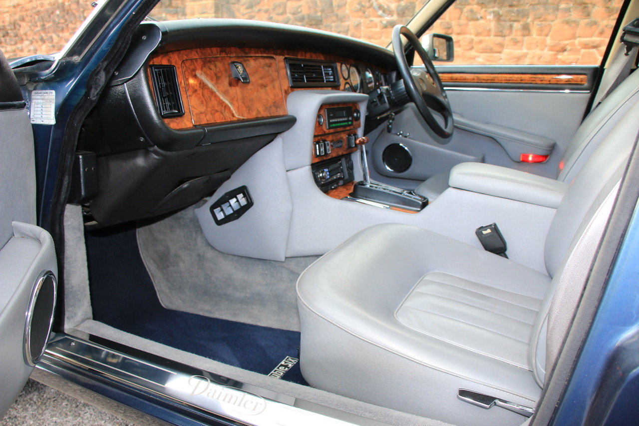 1990 Daimler Double Six Series III (Jaguar XJ V12) For Sale (picture 5 of 6)
