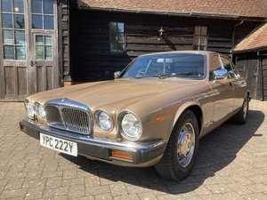 1982 RARE 30,000 MILES STUNNING BARONS CLASSIC AUCTIONS JULY 14 For Sale