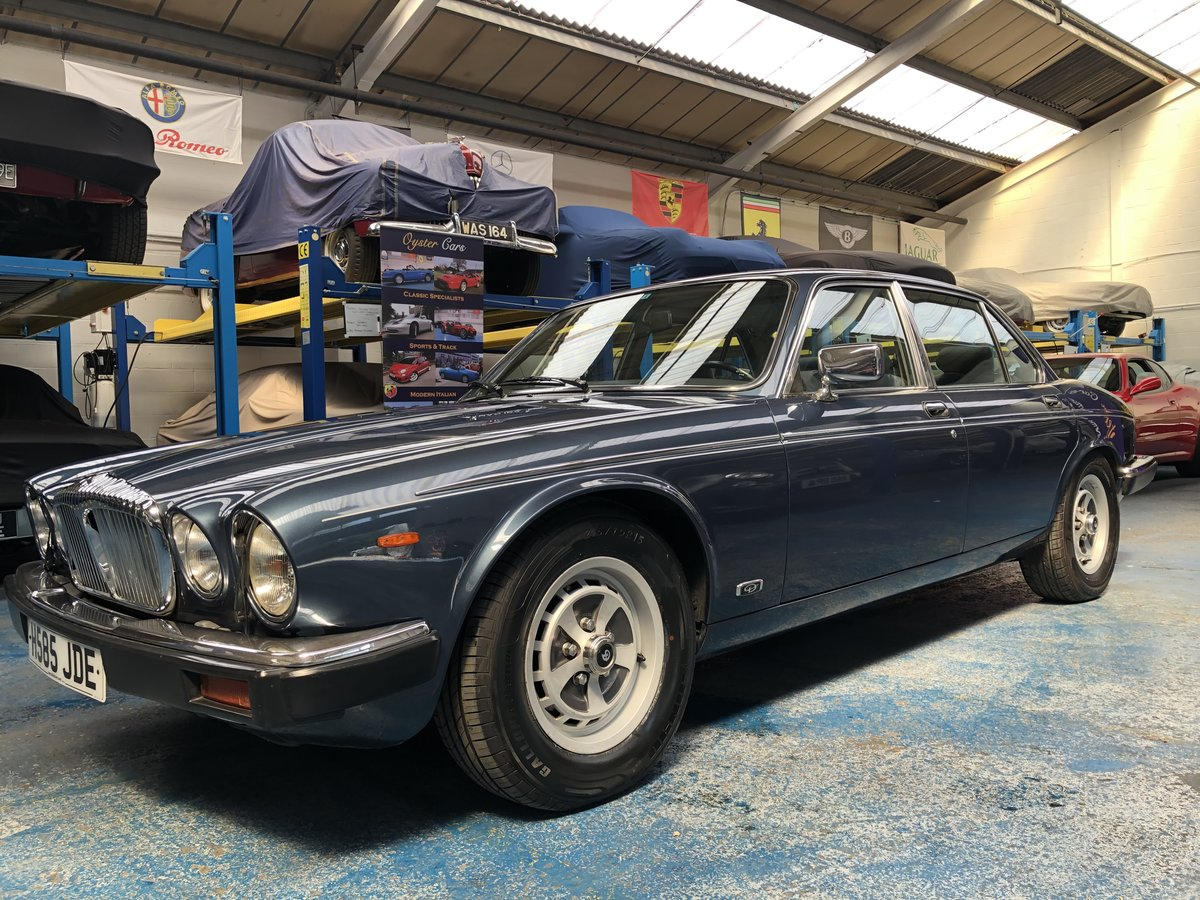 1990  Daimler Double Six immaculate Japan Import  For Sale (picture 1 of 6)