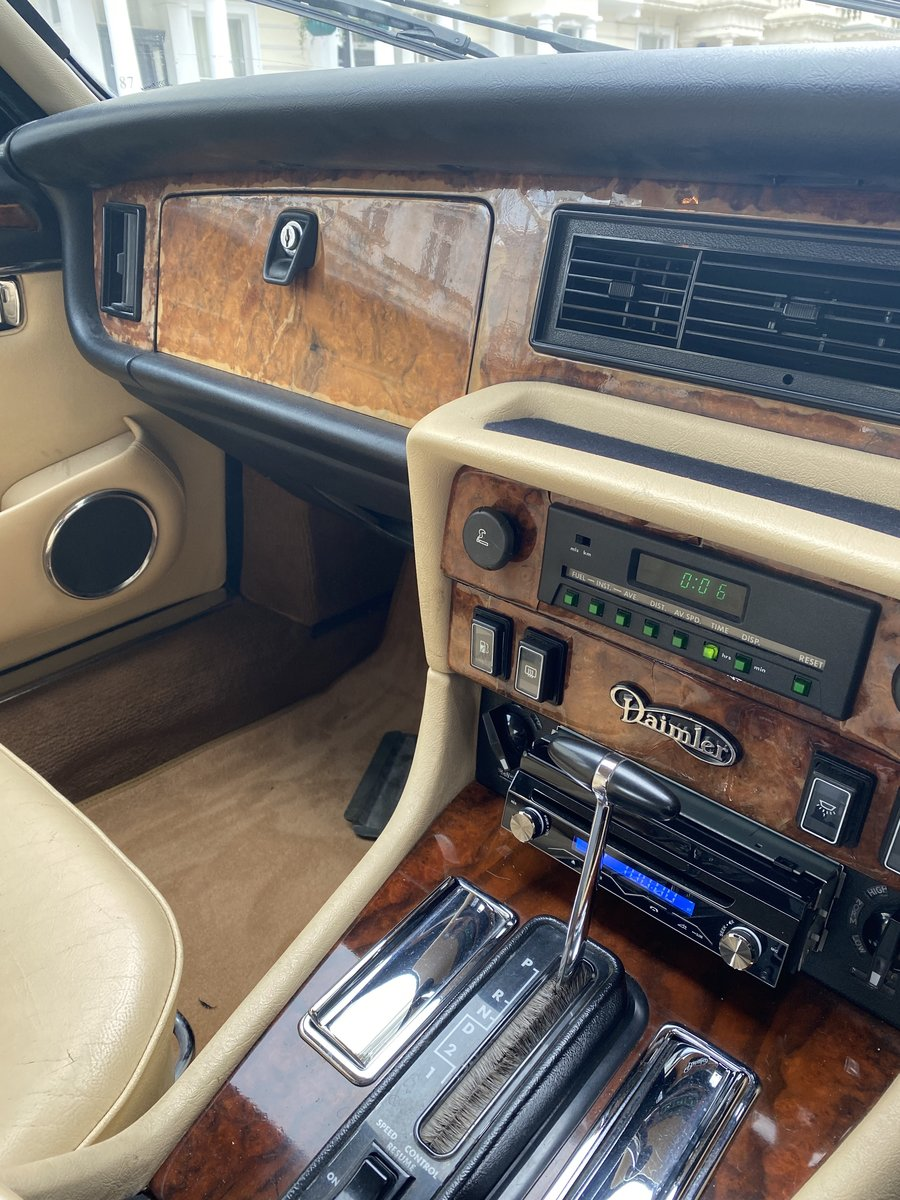 1989 Very nice Daimler Double Six Serie III For Sale (picture 5 of 6)
