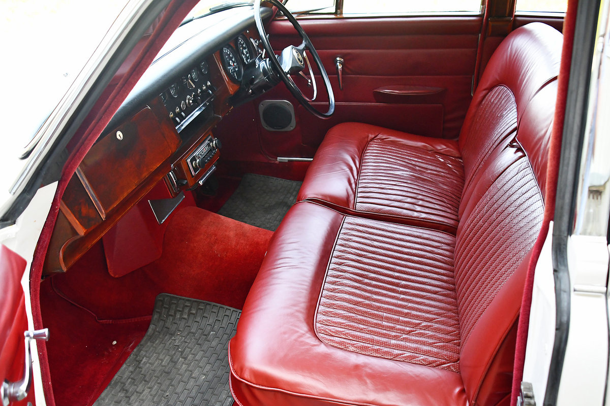 1968 Restored bodywork and partially restored interior For Sale (picture 5 of 6)