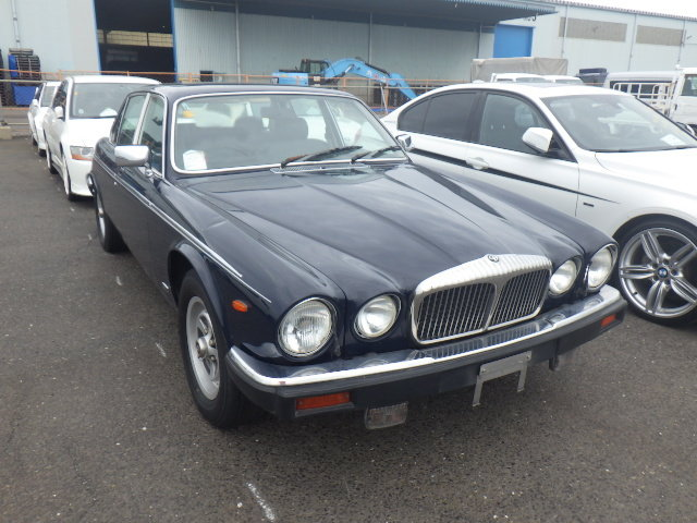 1992 DAIMLER DOUBLE SIX 5.3 SERIES 3 V12 AUTO * SUNROOF * FULL LE For Sale (picture 1 of 6)
