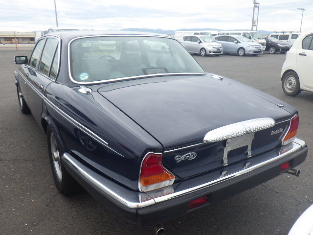 1992 DAIMLER DOUBLE SIX 5.3 SERIES 3 V12 AUTO * SUNROOF * FULL LE For Sale (picture 2 of 6)