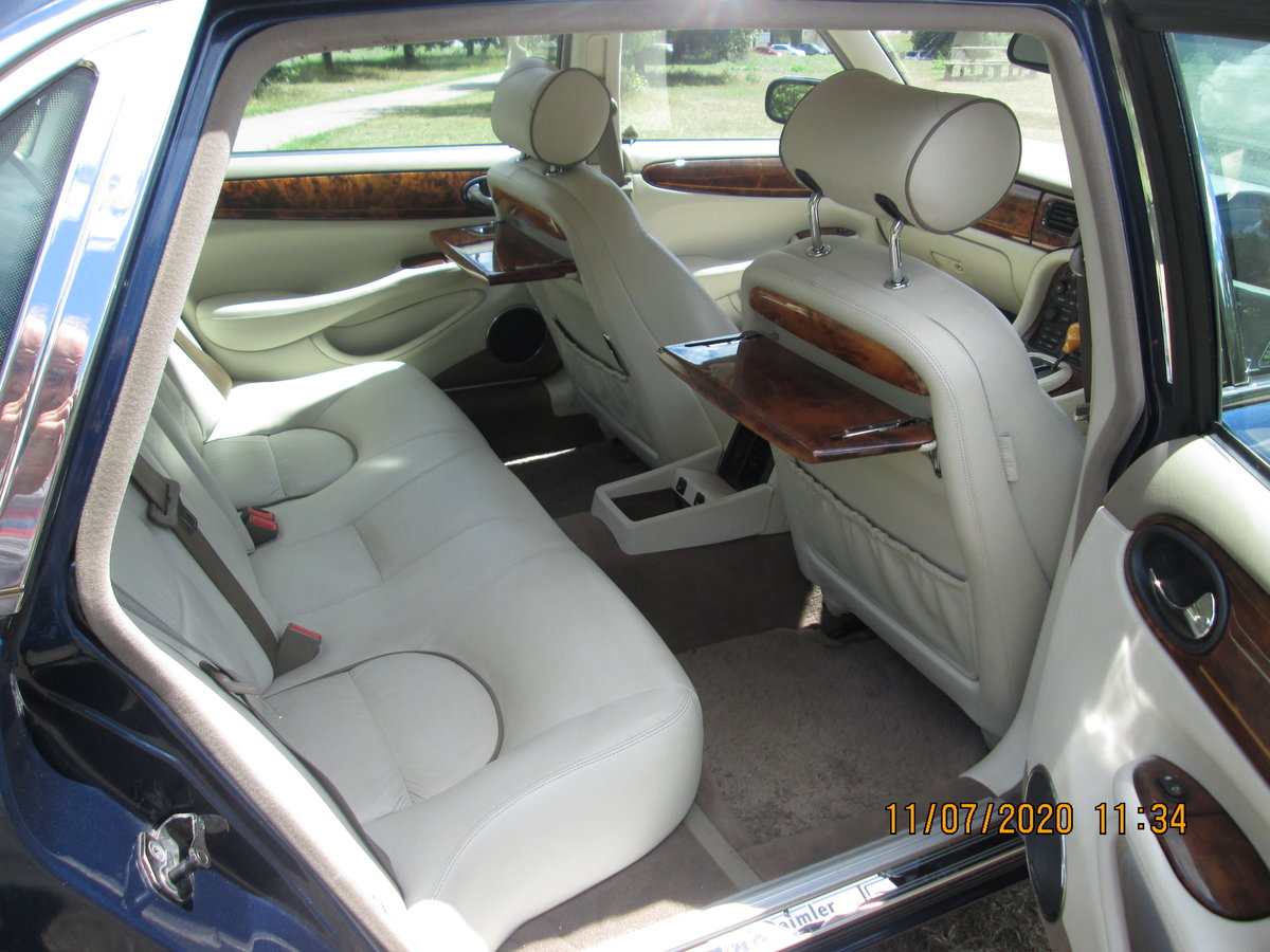 1998 Daimler Super V8 LWB Limousine For Sale (picture 4 of 6)