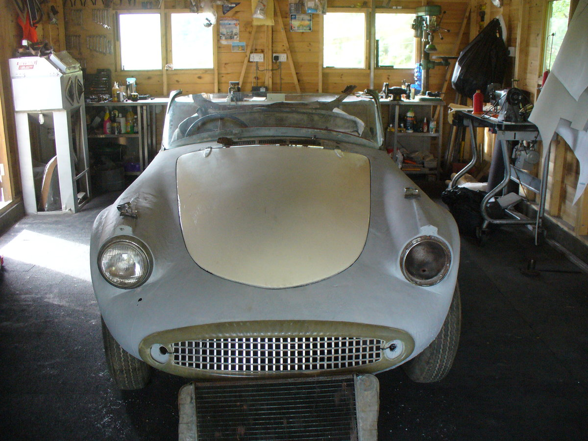 1961 daimler sp250 rhd project daimler dart For Sale (picture 1 of 6)