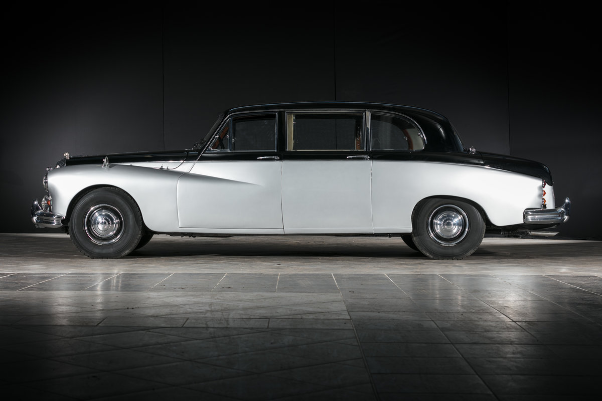 1965 Daimler Majestic Major Limousine (DR450) - No reserve For Sale by Auction (picture 3 of 6)