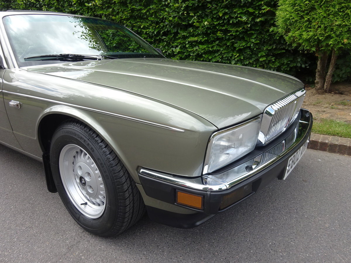 DAIMLER 3.6 Ltr (XJ40) 1988  21,000 miles only For Sale (picture 2 of 6)