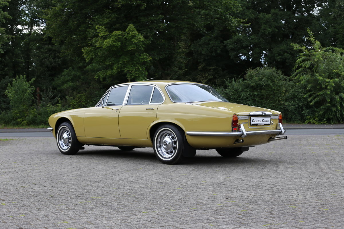 1974 Daimler Sovereign Series 2 - Low mileage superb example For Sale (picture 5 of 6)