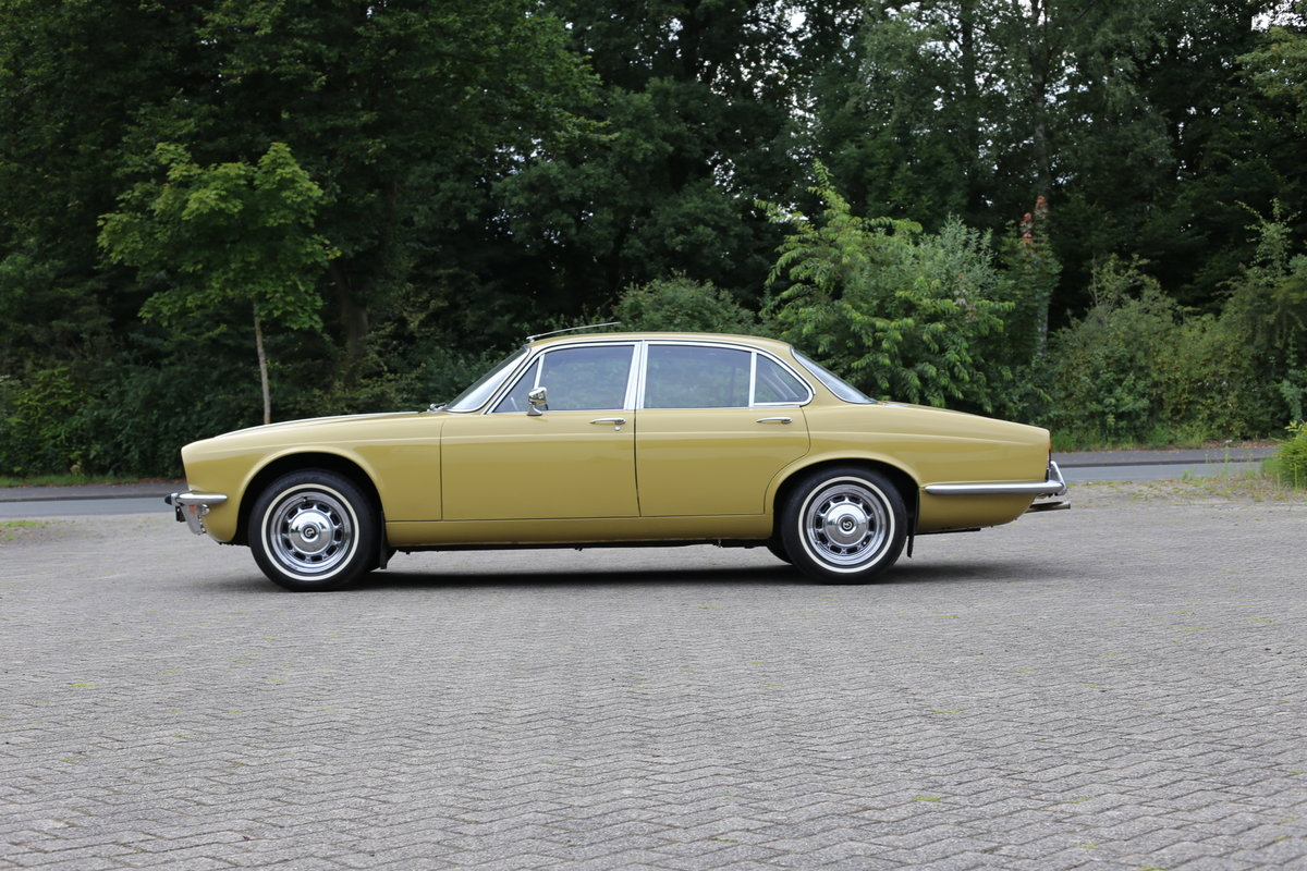 1974 Daimler Sovereign Series 2 - Only 48,000 miles !! SOLD (picture 6 of 6)